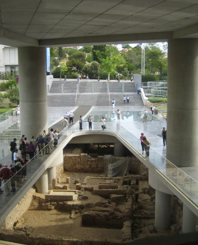 A city under the city: Excavation at the Acropolis Museum. Photo © Wikimedia Commons