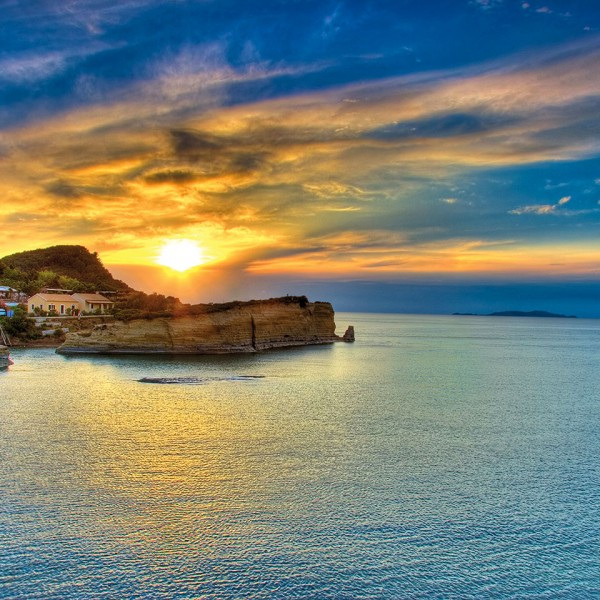 Beautiful sunset on the Greek island of Crete, destination of the ASIT Heraklion vacation package.